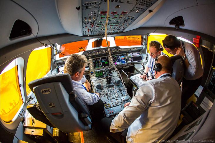 Новый самолет Airbus A350 (31 фото)