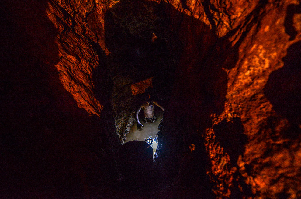 3. Подземный золотой рудник. (Фото Juan Barreto):
