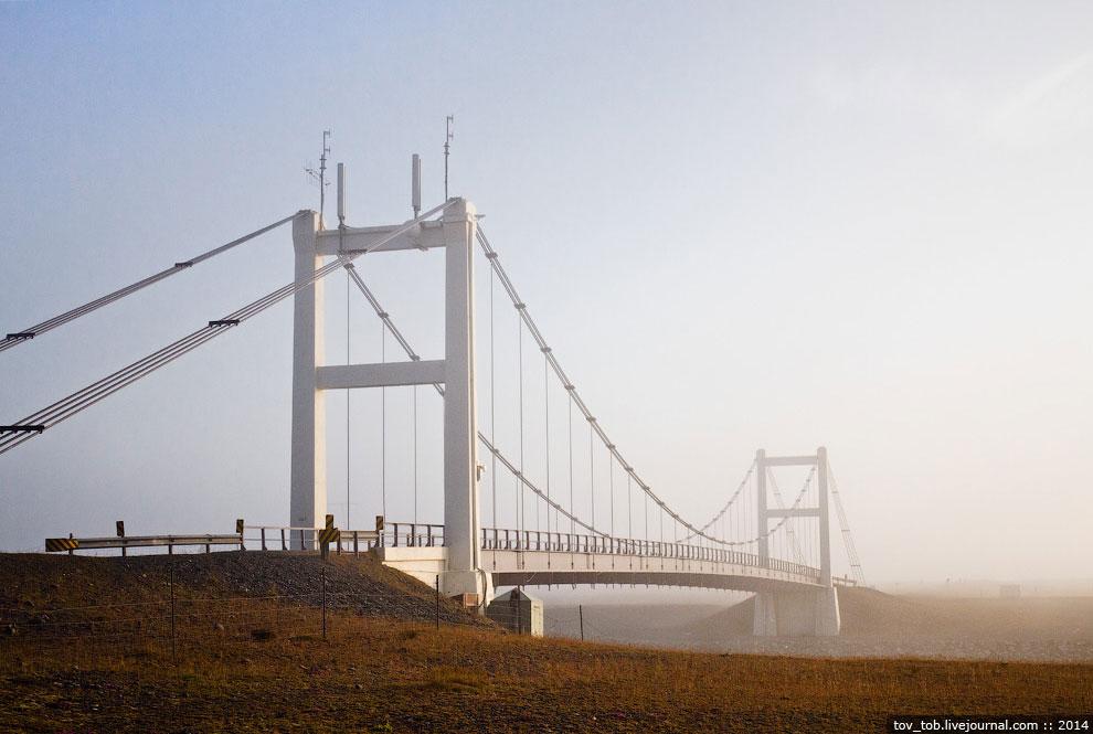 Многие мосты на трассе А1 рассчитаны на одну полосу движения, а сама трасса на две. Кстати, это