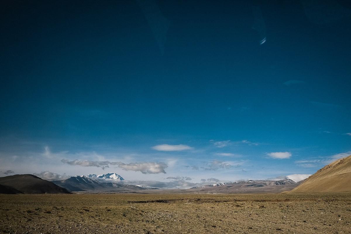 12. Пейзажи по пути к лагерю. Кроме Эвереста, здесь можно увидеть еще четыре восьмитысячника: Шишапа