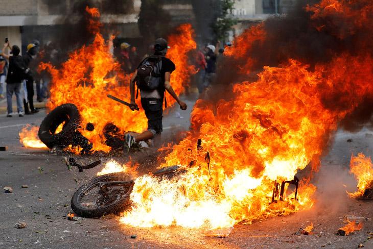 1. Западная пресса любит называть таких личностей «оппозиционными демонстрантами». (Фото Federi