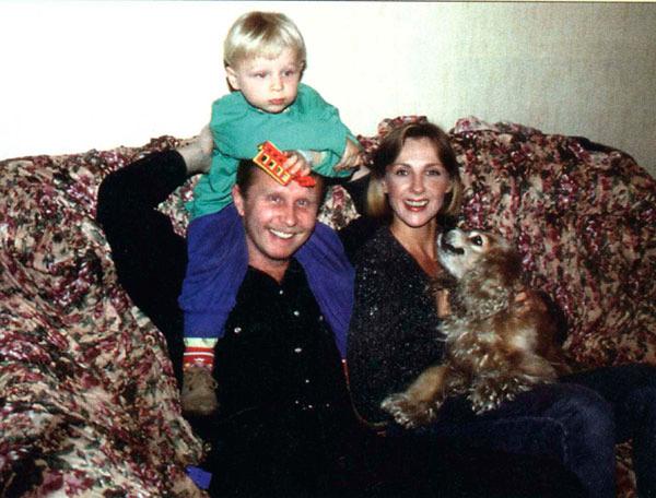 Неожиданно: вот как выглядит сын актрисы Елены Яковлевой (13 фото)
