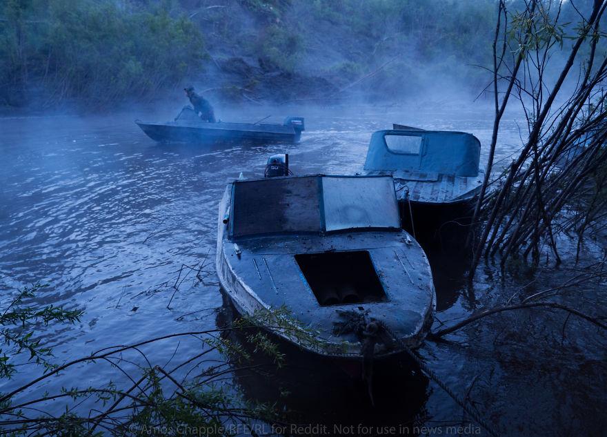 Излучина реки, усеянной останками мамонтов. От ближайшей деревни нужно проехать четыре часа на мотор