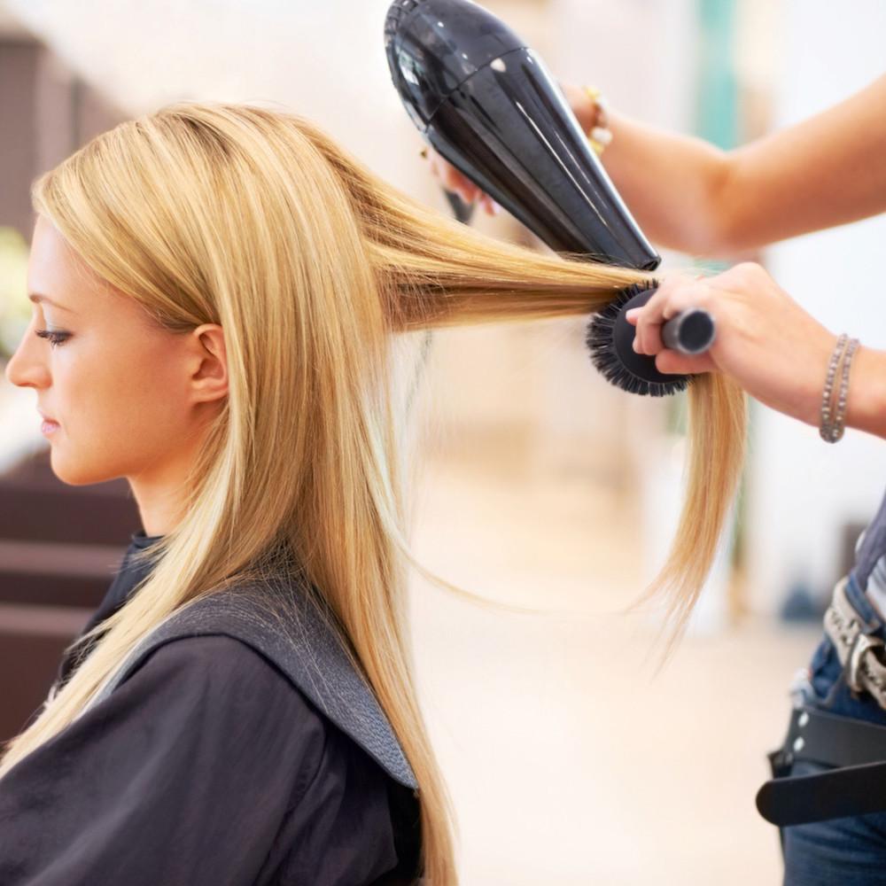Укладка волос в салоне красоты (1 фото)