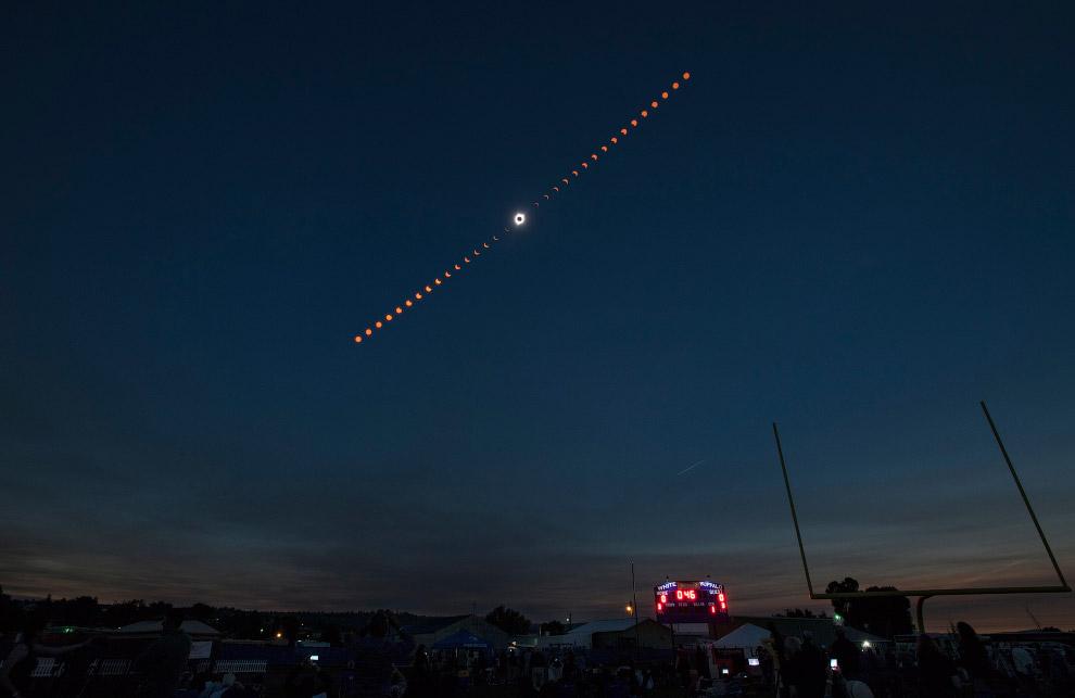 Давайте посмотрим на замечательные кадры NASA и развитие солнечного затмения. (Фото NASA | Bill