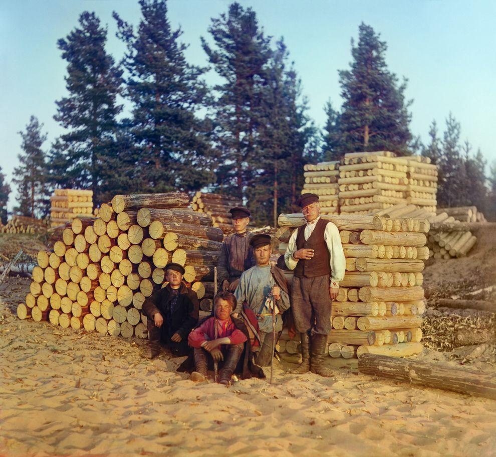 4. Пильщики на Вытегре. Онежское озеро, 1909 год.