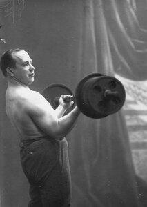 Крестьянсон В.П., штангист, преподаватель бокса