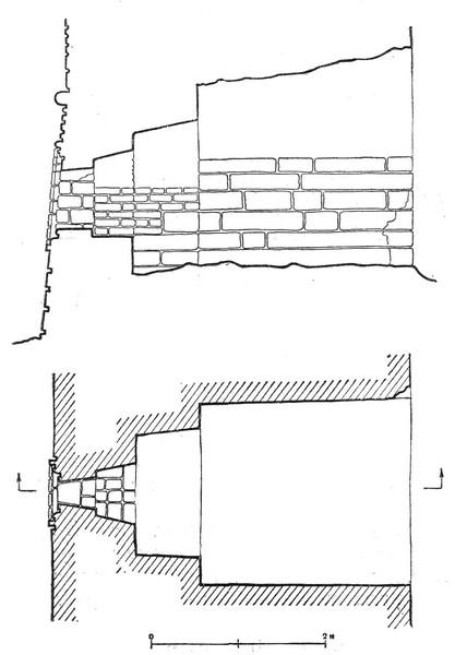 План и разрез боевой камеры подошвенного боя стены Смоленской крепости