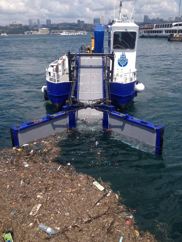 Очистные работы на побережье Босфора