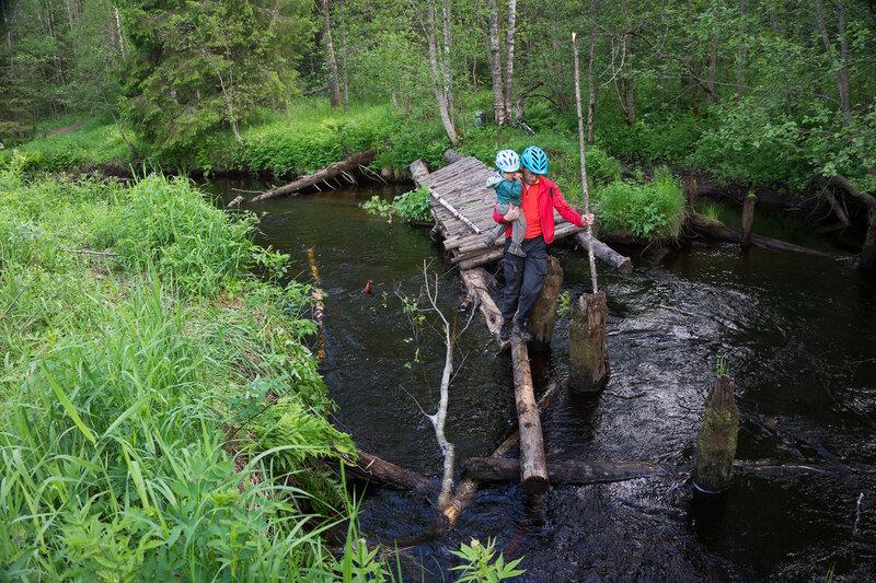 разрушенный мост через реку волчья на карельском перешейке