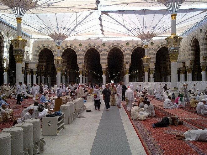 Мечеть Аль-Масджид ан-Набави. Медина, Саудовская Аравия