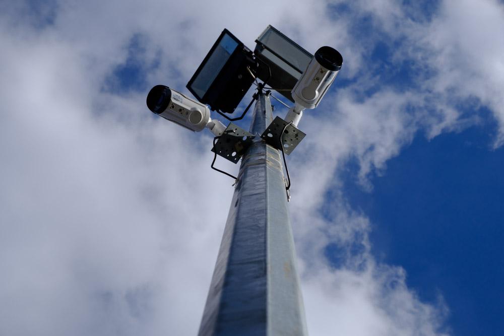 освещение и видеокамеры на территории школы номер 17