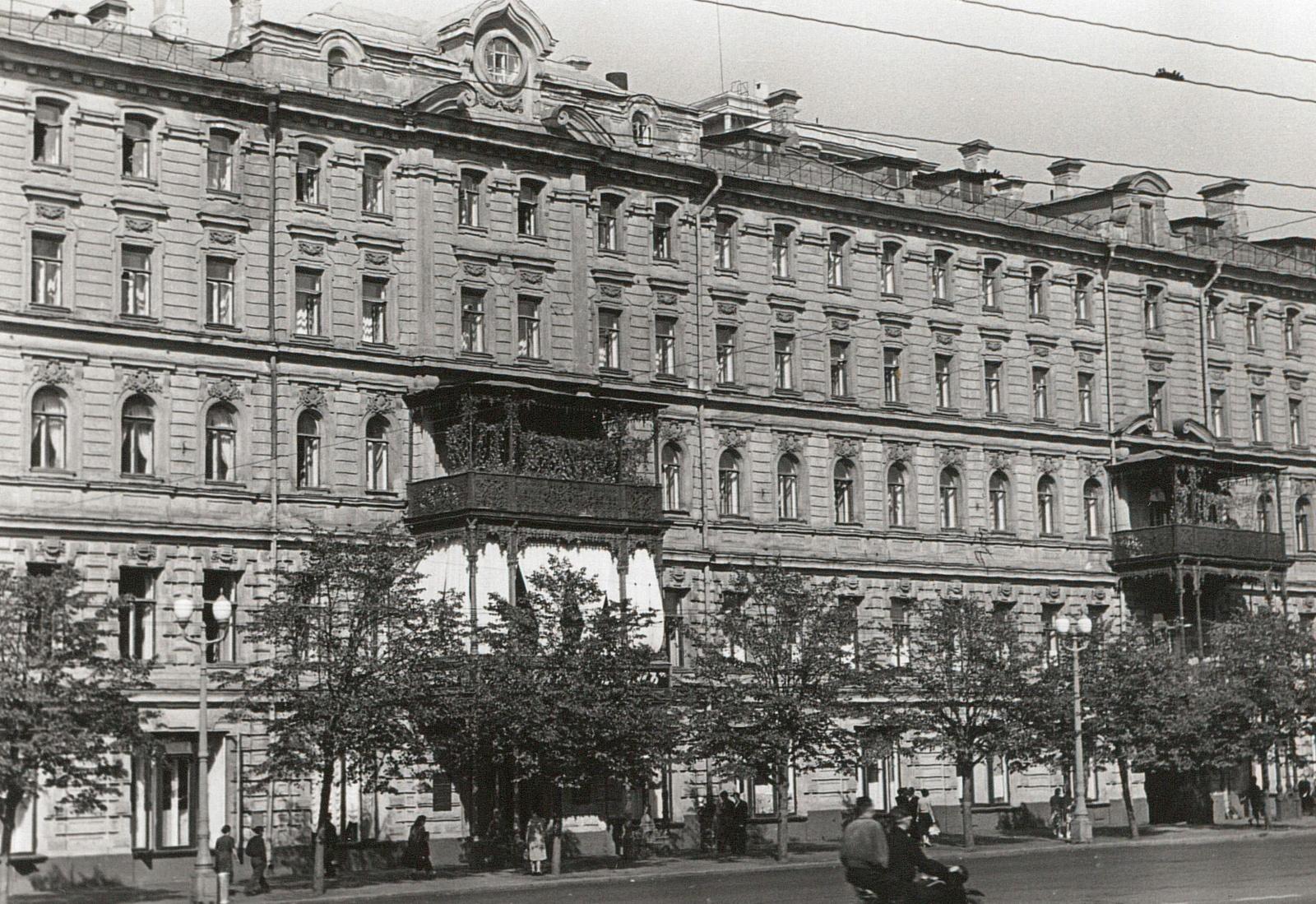 Гостиница. Вид с улицы