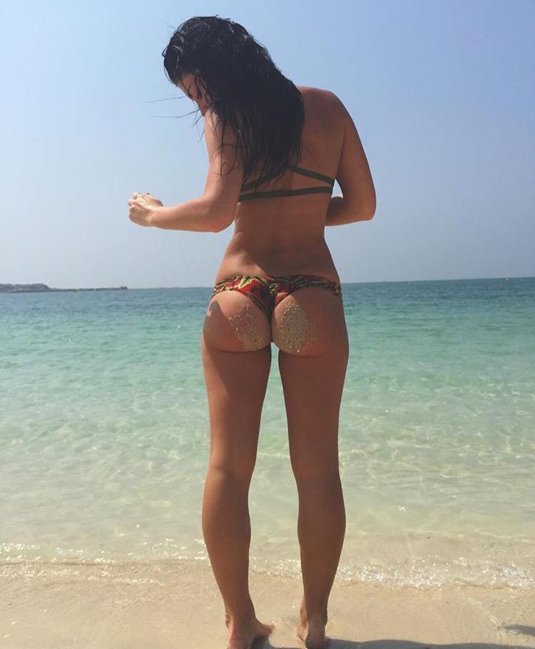 Брюнетки со спины фото голые