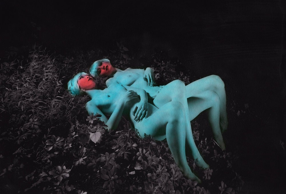 Обнаженные тела на снимках Шэй де Тар