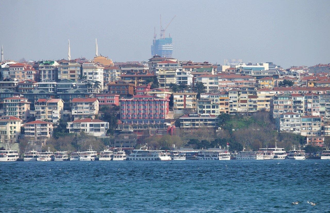Стамбул. Босфор у Кабаташа