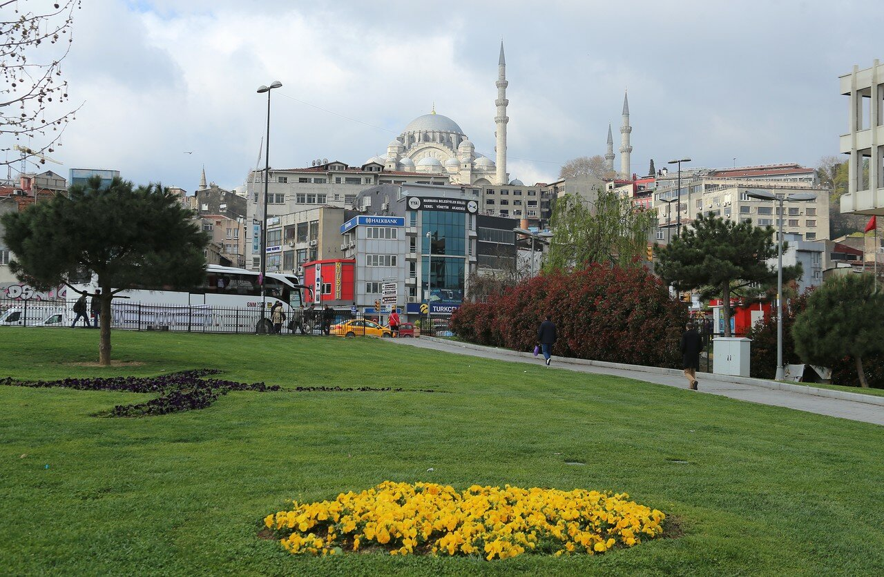 Стамбул. Саридемир. Парк Ичи Йолу (Park İçi Yoluı)