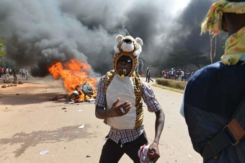 На фоне массовых демонстраций, спровоцированных подготовкой поправок к конституции, в соответствии с
