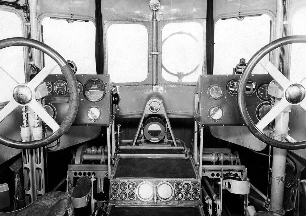 7. Потому что двигателями управлял и следил за их работой специальный член экипажа — бортинжене