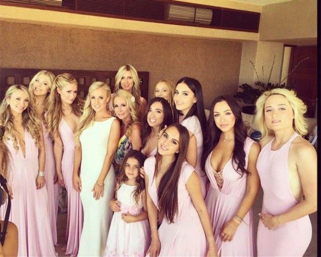 Блондинка в шоколаде была подружкой невесты на свадьбе двоюродной сестры Брук Бинсон. Дженнифер Лоур