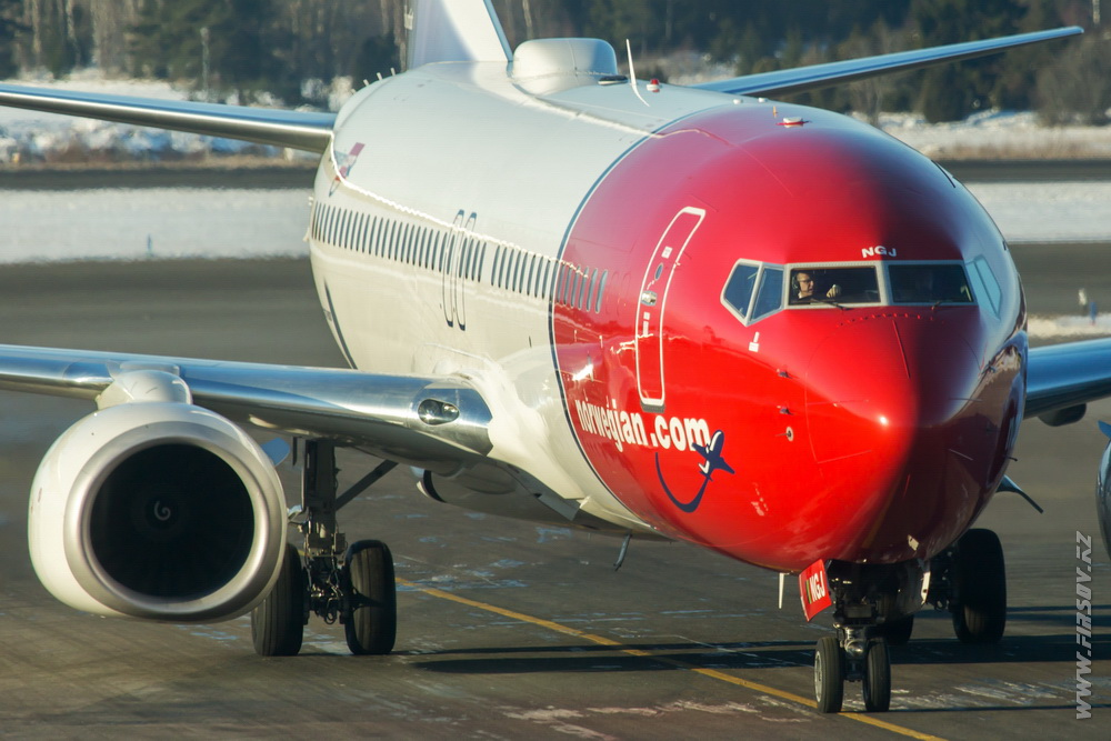 B-737_LN-NGJ_Norwegian_Air_Shuttle_2_ARN.JPG