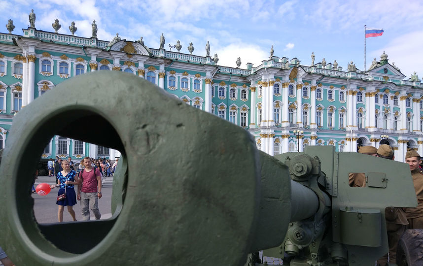 20170808_16-55-Военная техника прибыла на Дворцовую площадь~pic11