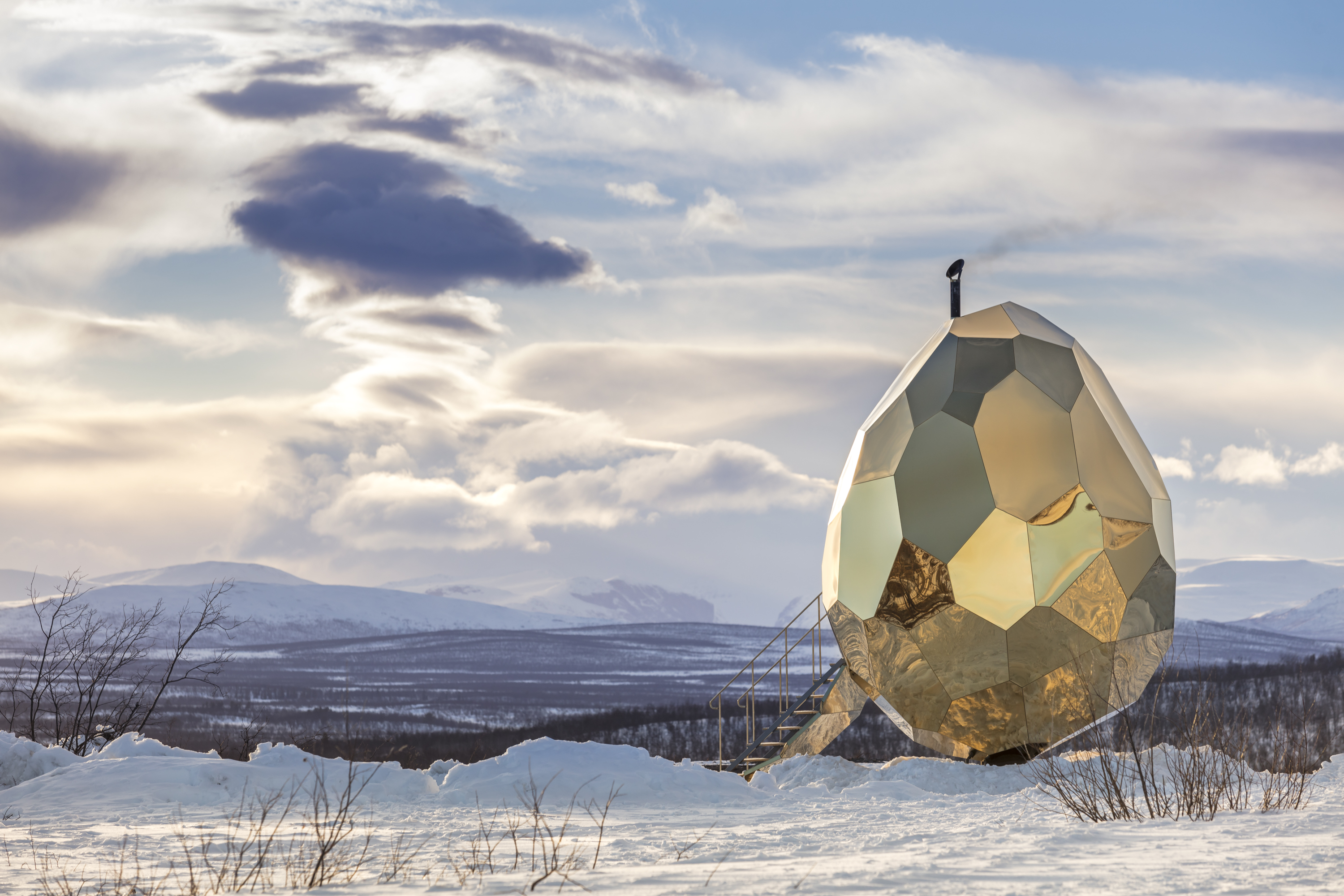 Amazing Egg-shaped Sauna in Kiruna (10 pics)