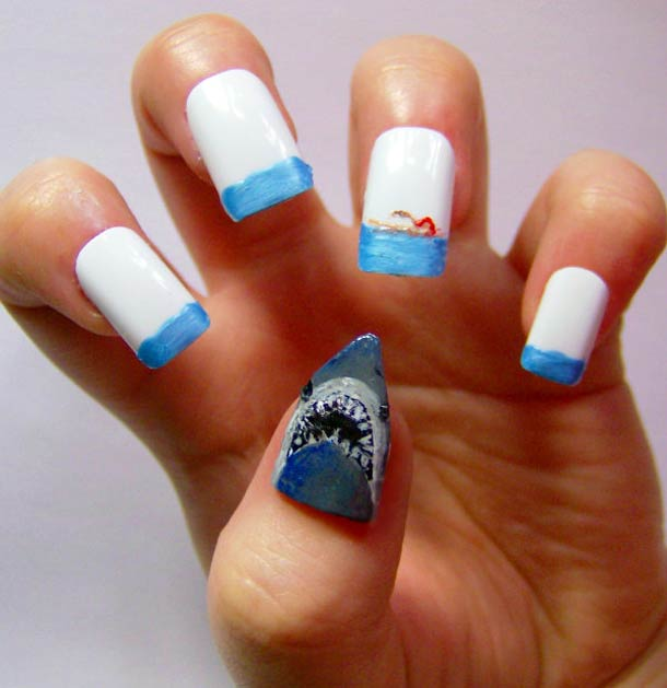 39 ultra-geeky Nails ! - Batman, Dr Who, Pokemon, Alien…