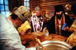 Митрополит Кирилл освящает престол малого собора Христа Спасителя г. Калининграда.