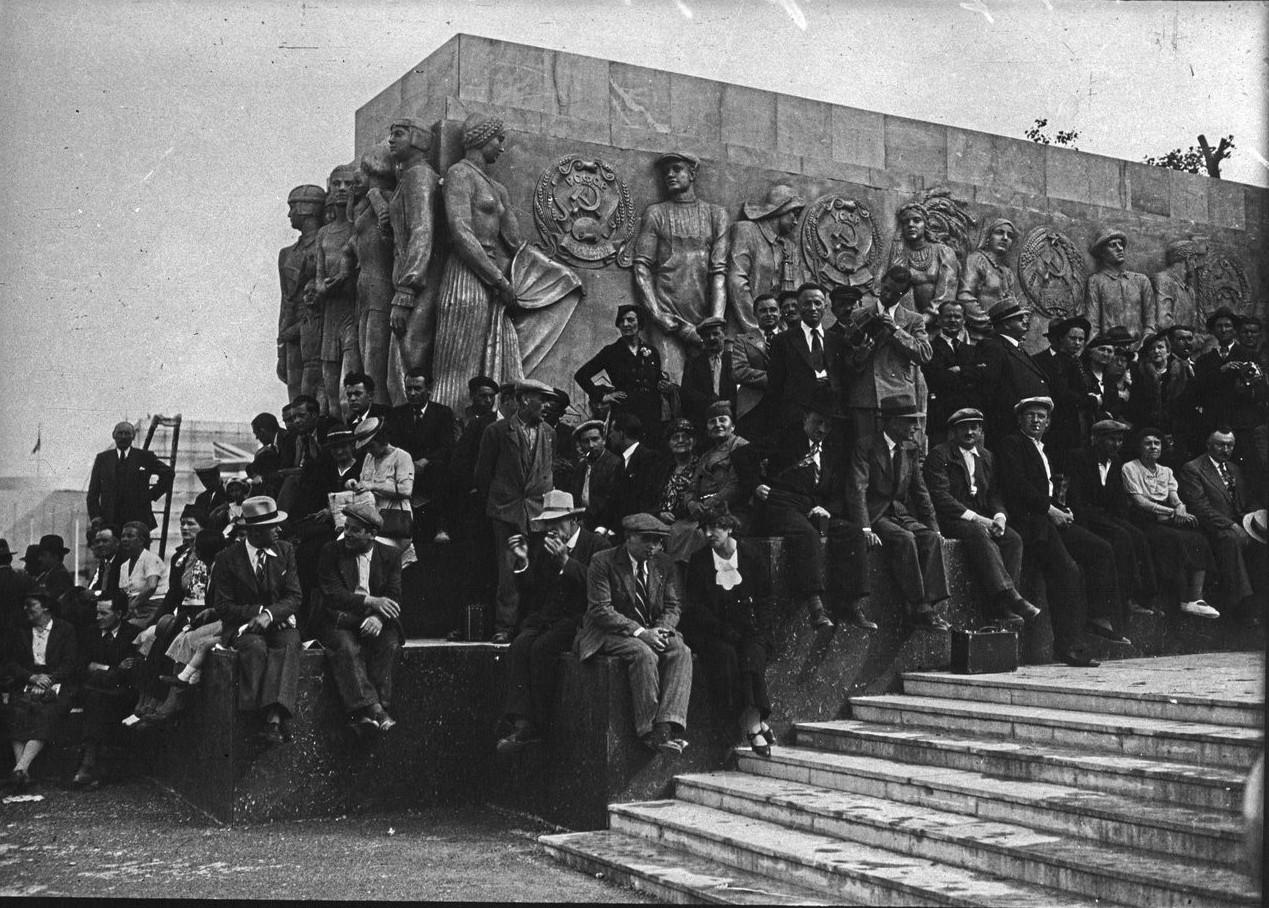 День открытия. Торжественное открытие Советского павильона. 24 мая 1937