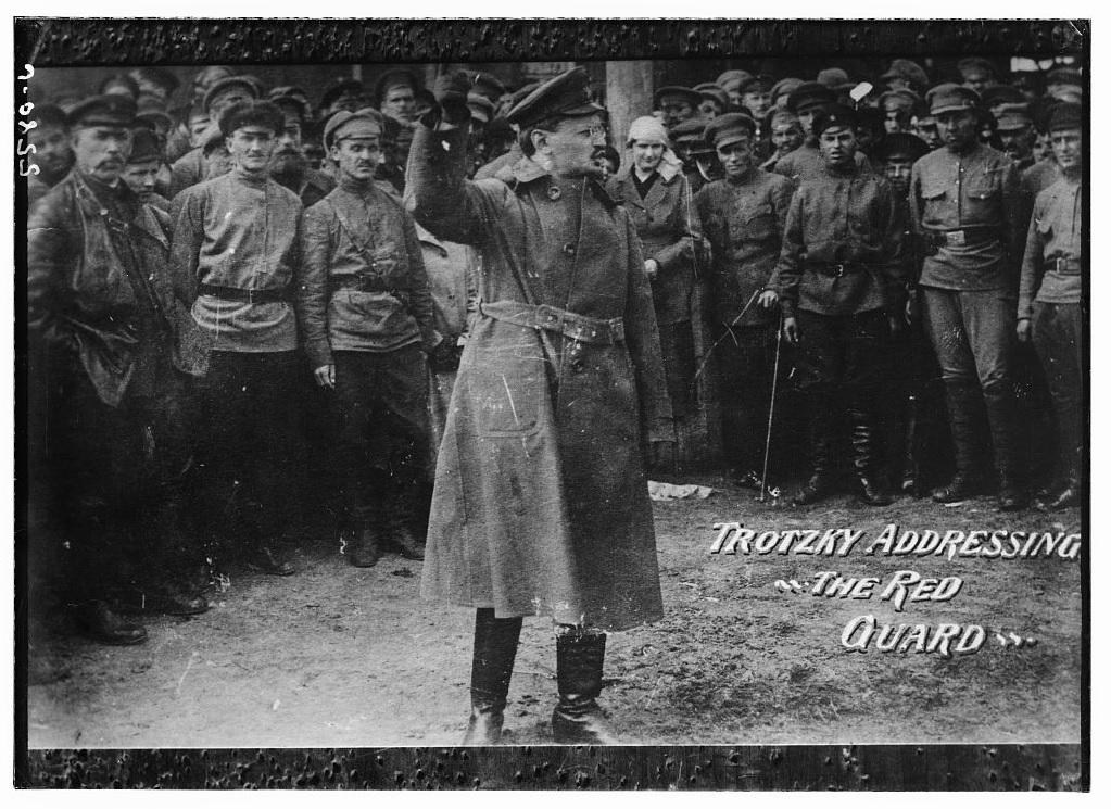 Л.Д.Троцкий выступает перед войсками Красной армии во время польско-советской войны, 1920-ый год