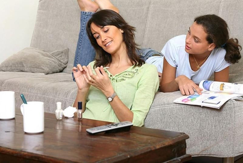 3. Правило третье: нельзя посвящать всю свою жизнь ребенку Материнская забота о детях — отличная илл
