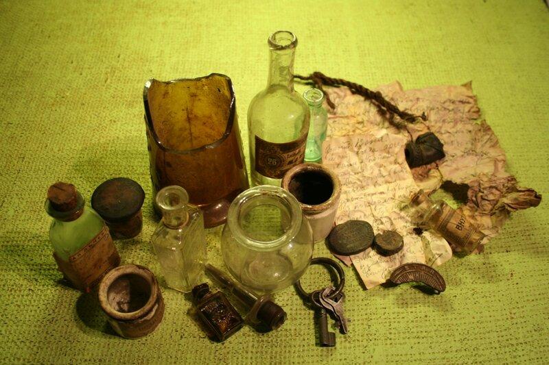 Клад, найденный в дымоходе квартиры в Подколокольном переулке, дом 11.