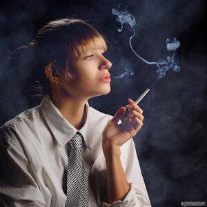 Выпуская мышь (дым, кот, курить)