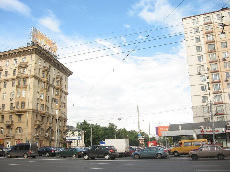 Ул. Чкалова (Земляной вал)