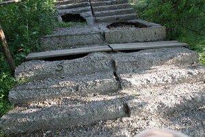 Во Владивостоке продолжается ремонт лестниц