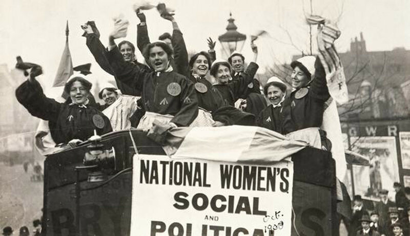 Suffragettes-ad-inizio-secolo-altro-che-quote-rosa.jpeg
