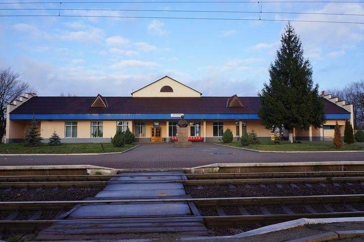 Острог - станция.jpg