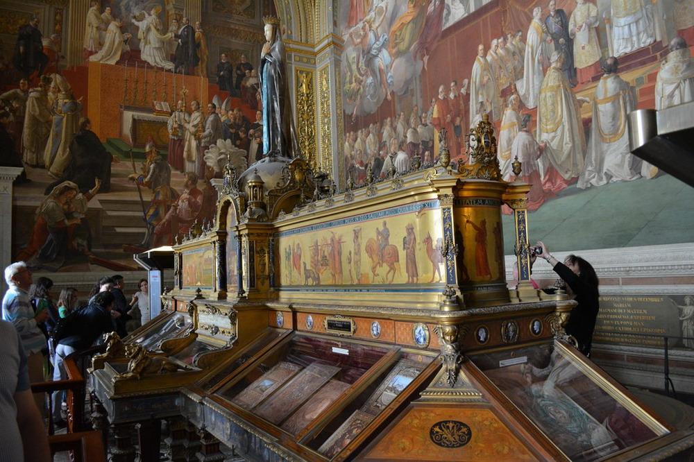 apostolskaya-biblioteka-vatikana_34_resize.jpg
