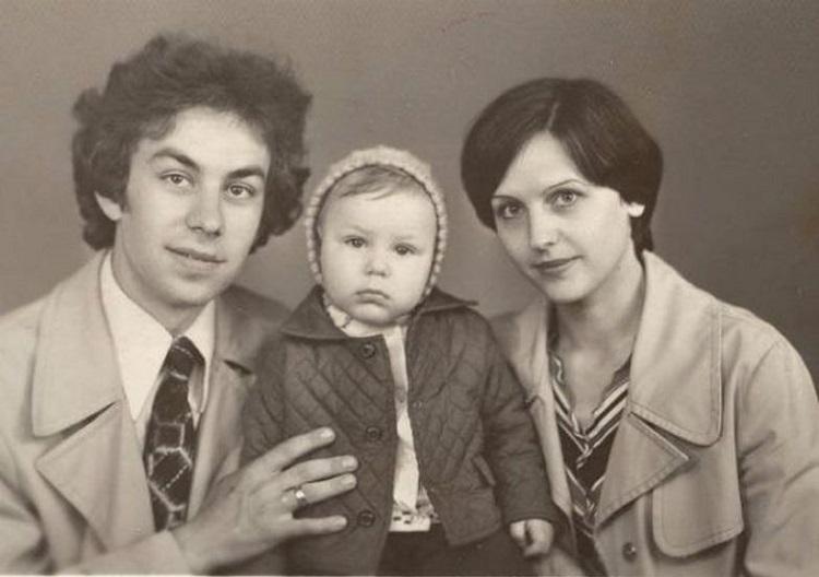 Череда трагедий закончилась, когда Дмитрий повстречал свою любовь — Татьяну Зайцеву. В 2008 году они