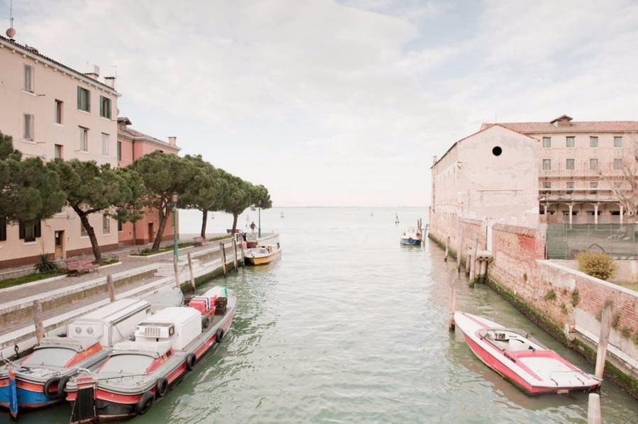 Как выглядит Венеция не в туристический сезон глазами итальянского фотографа Claudia Corrent
