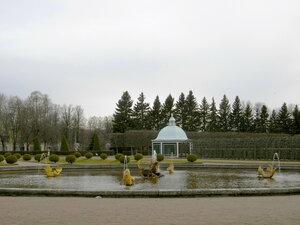 Парк закрывается поторопитесь на выход:)
