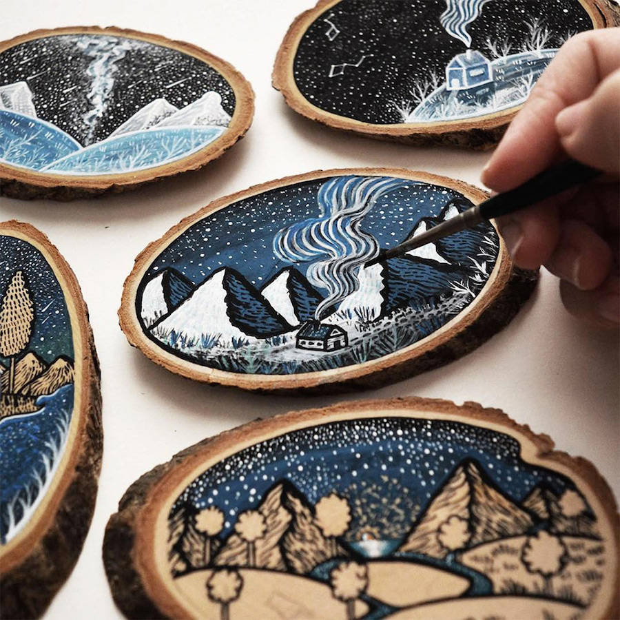 Wood Slices Decorated with Paintings and Illustrations