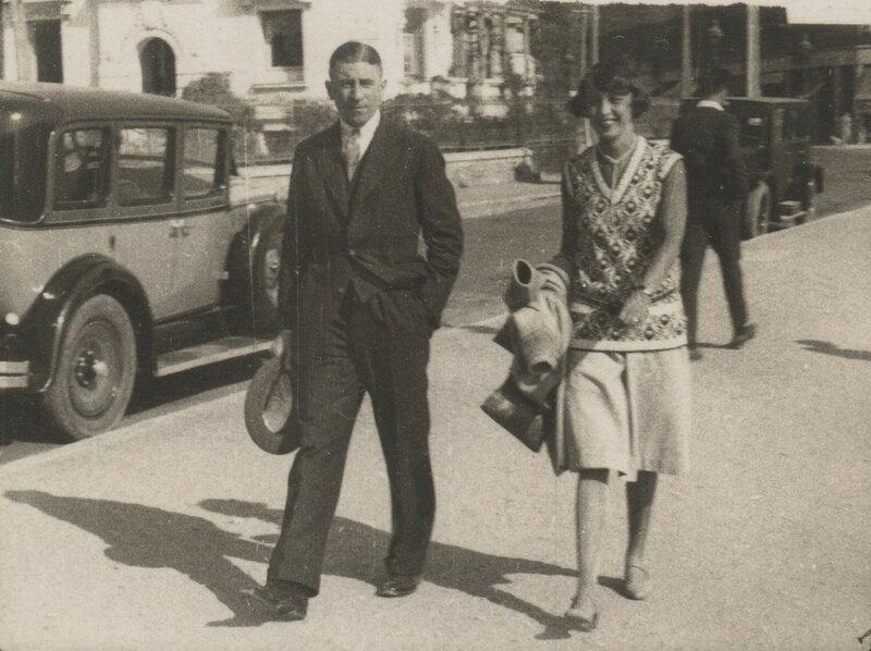 Старший сын С.М.Прокудина-Горского Дмитрий с женой Лидией в Ницце (?), 1920-е