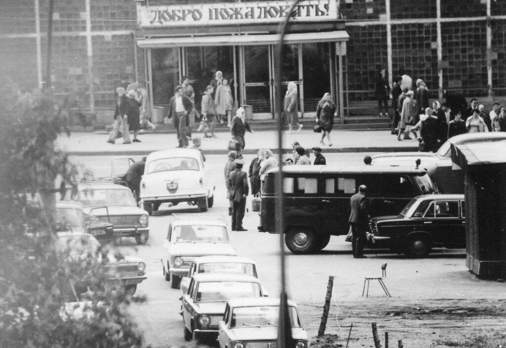 179332 Рынок на пересечении Люблинской ул. и 1-й ул.Текстильщиков 76.jpg