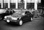 «Мерседес» зарубежного гостя у гостиницы «Интурист»