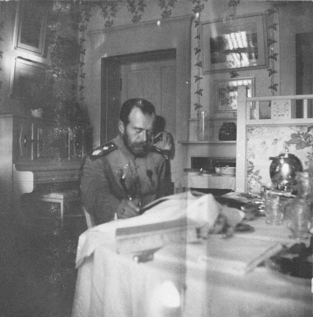 1914. Николай II на Нижней даче