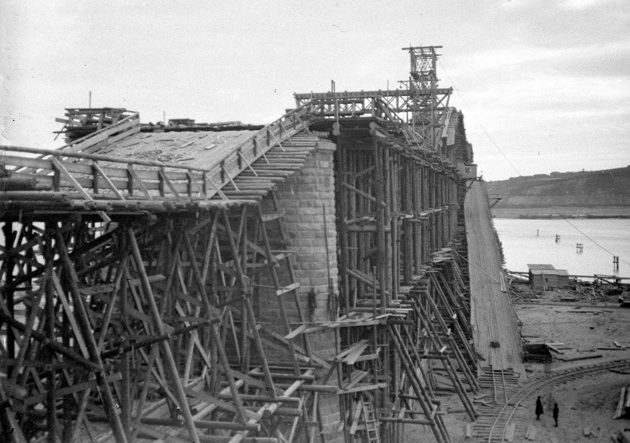 Строительство Романовского Моста. Паратск
