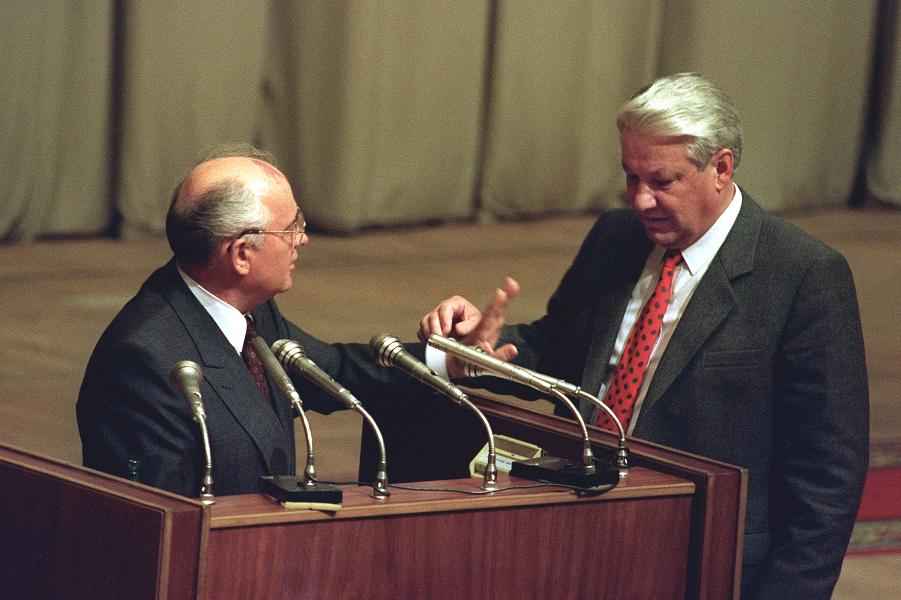 Горбачев и Ельцин после путча.png