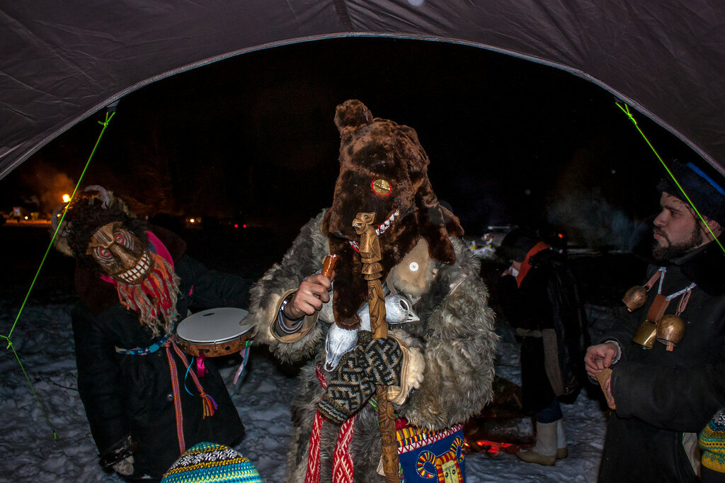 На ППЧ медведя водили по лагерю